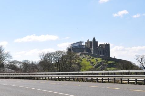 Rock of Cashel - von weitem